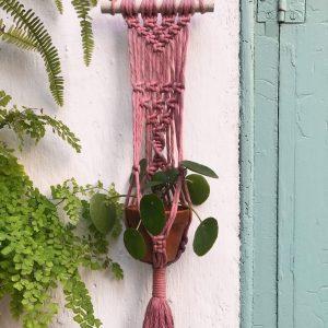 Macetero colgante macramé color rosa